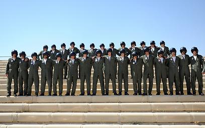 """בוגרי הקורס ה-166 במספר. יקבלו כנפיים (צילום: דובר צה""""ל)"""