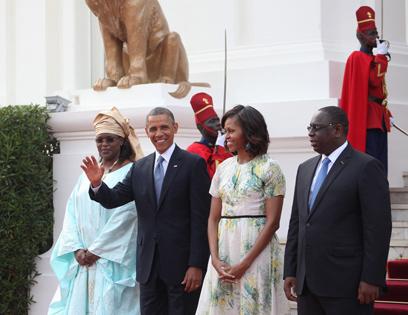 הזוג אובמה והזוג הנשיאותי של סנגל, הנשיא מק סל ורעייתו מריאם פיי (צילום: EPA)