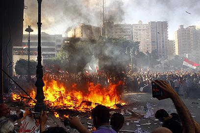 הפגנות נגד מורסי באלכסנדריה במהלך סוף השבוע (צילום: AFP)