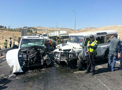 זירת התאונה החזיתית בצומת תקוע (צילום: באדיבות דובר מחוז שי)