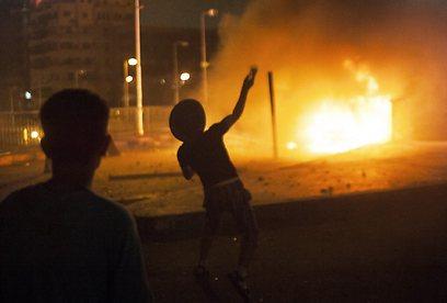 כיכר תחריר הלילה (צילום: AP)
