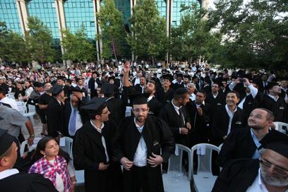 הסטודנטים הבוגרים (צילום: גיל יוחנן)