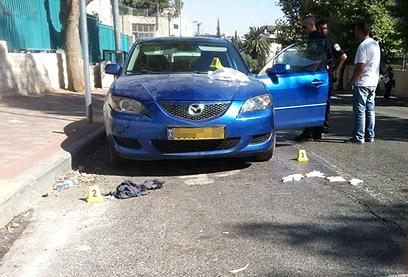 חשד לפיגוע לאומני. רכבו של הנדקר בירושלים, היום (עוזי פרלמוטר, חדשות 24)