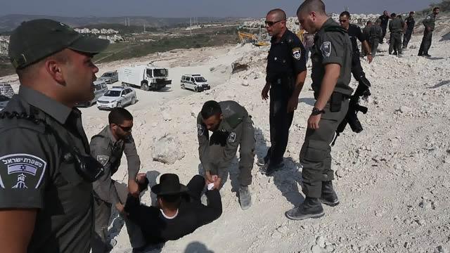 Beit Shemesh New Construction: Haredim Protest At Beit Shemesh