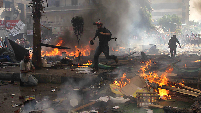 Fire in streets of Cairo (Photo: AFP)