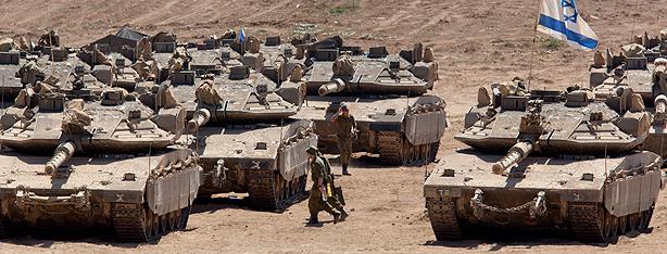 IDF tanks deployed along the Gaza border (Photo: EPA)
