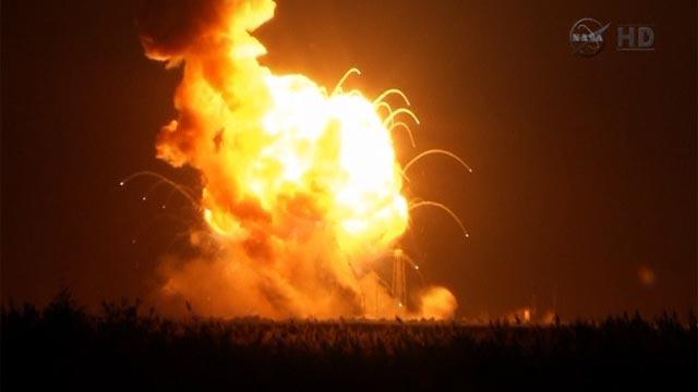 Ynetnews News - VIDEO: Unmanned US supply rocket explodes ...