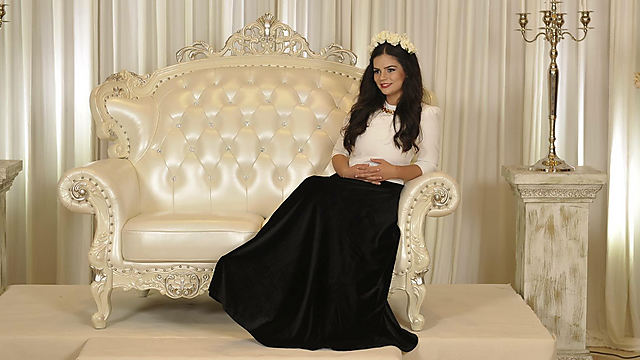18 Year Old Fashion Designer Takes Haredi Sector By Storm