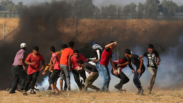 Rights group: Israeli lethal force in Gaza may be war crime