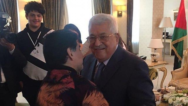 'I am a Palestinian', Maradona tells President Abbas