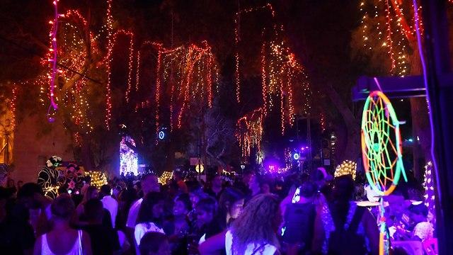 As Gaza rockets blast southern Israel, Sderot nightlife continues to boom