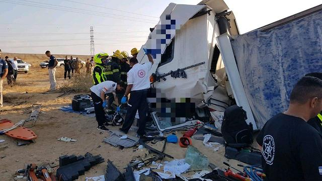 Shocking head-on truck collision in south leaves driver dead