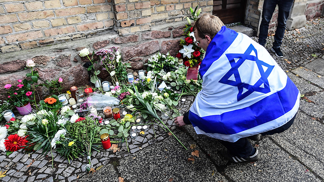 In rare move, Hamas condemns Germany synagogue attack