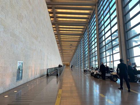 Пустые коридоры аэропорта Бен-Гурион. Фото: Шири Хадар