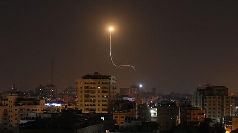 Обстрел израильской территории ракетами из Газы. Фото: AFP