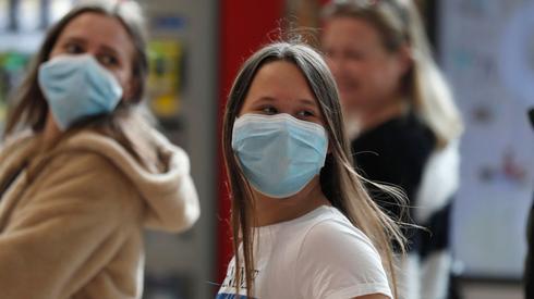 Защитные маски в Израиле. Фото: EPA (Photo: EPA)
