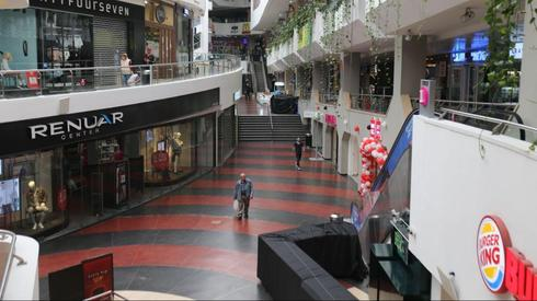 Пустой торговый центр Дизенгоф. Фото: Моти Кимхи