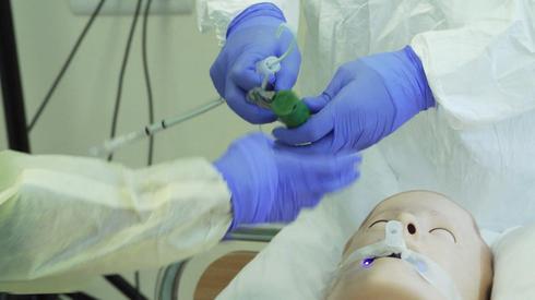 """Подготовка в больнице """"Ха-Шарон"""" (Photo: Troll productions)"""