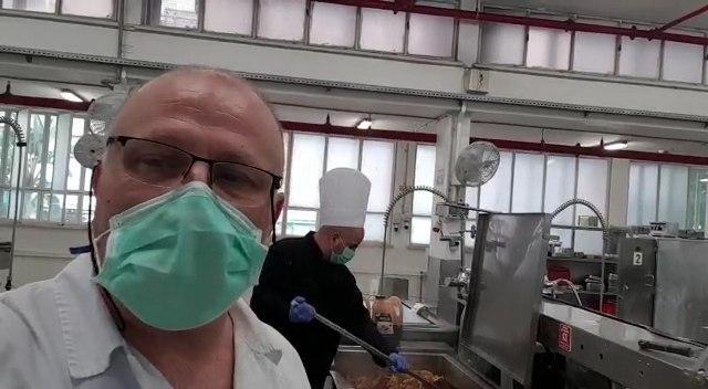 "Алекс Глузман, заведующий кухней больницы ""Ха-Шарон"""